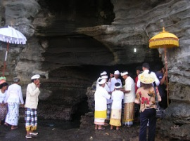 Goa Air Suci Pura Tanah Lot
