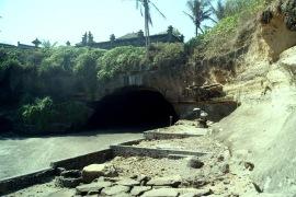Goa Kelelawar Serijong