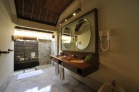 Courtyard Villa - Bathroom 1