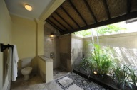 Patio Room - Bathroom